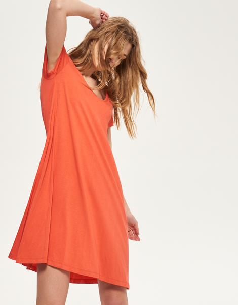 05e95f1d6b Duży wybór sukienek letnich można znaleźć w serwisie Allani