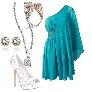 Zestaw z  6 lipiec 2012, składający się m.in. z Naszyjnik W.KRUK, Sukienka Ax Paris, Biżuteria Pintaldi Maurizio.