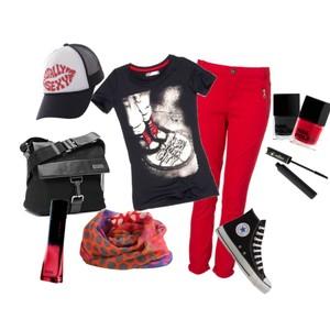 Zestaw z 21 sierpień 2012, składający się m.in. z Produkt do pielęgnacji H&M, T-shirt Cropp, Torebka miejska Kazar.