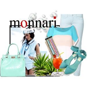 Zestaw z 22 kwiecień 2013, składający się m.in. z Bransoletka Monnari, Jeansy Cross Jeanswear, Sweter Monnari.