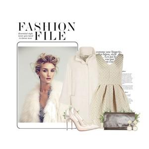 Zestaw z 18 listopad 2014, składający się m.in. z Buty Christian Louboutin, Sukienka Glamorous, Buty Christian Louboutin.