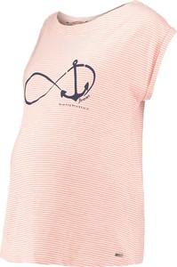 T-shirt bellybutton