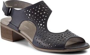 Sandały But-S