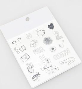 Metaliczny tatuaż Reserved
