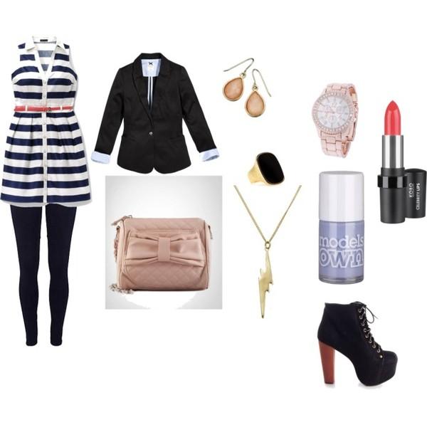 Zestaw z  4 czerwiec 2012, składający się m.in. z Naszyjnik Accessorize, Kolczyki  Accessorize, Biżuteria Yves Saint Laurent.