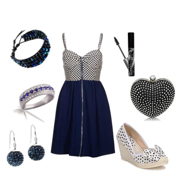 Zestaw z  7 lipiec 2013, składający się m.in. z Bransoletka Modern Silver, Pierścionek Modern Silver, Sukienka Paprika.