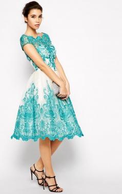 d855a1105f Chi Chi London Premium sukienka wieczorowa midi rozkloszowana koronka