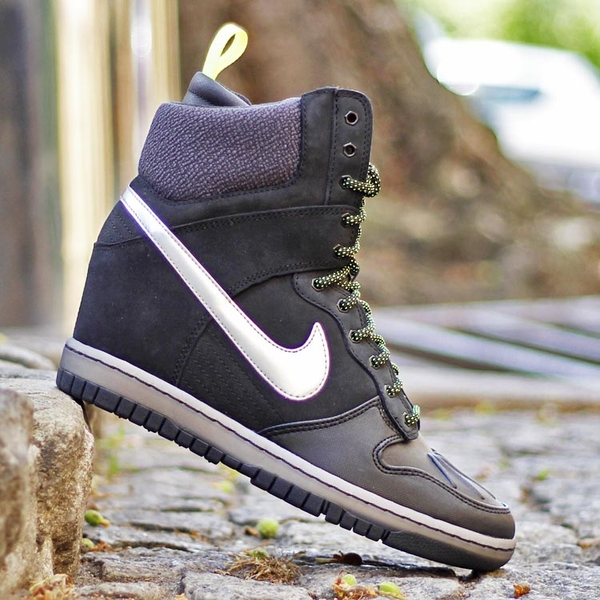 innovative design 7cbd6 674b5 ... get nike wmns dunk sky hi sneakerboot 2.0 black metallic silver 684954  001 c61f6 b3c86