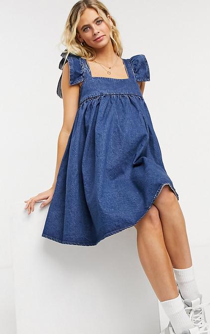 ASOS DESIGN Maternity – Niebieska luźna jeansowa sukienka z falbaną na rękawach-Niebieski