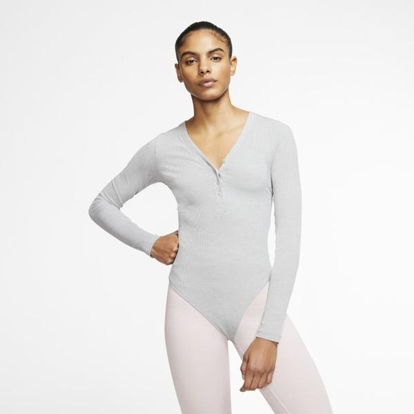 Bluzka Nike w sportowym stylu z długim rękawem