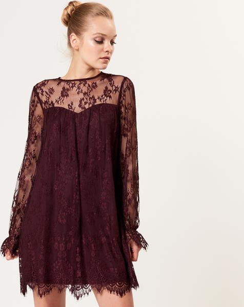 696e8af05b Bordowa sukienka mohito w koronkowe wzory na studniówkę