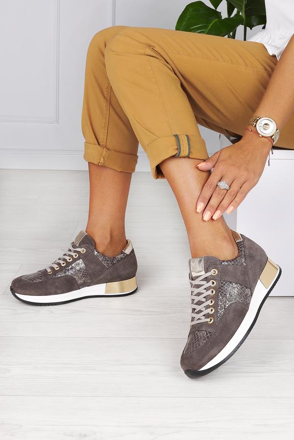 Brązowe buty sportowe Kati z płaską podeszwą