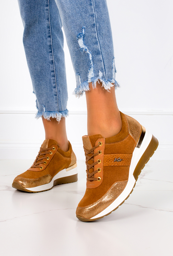 Brązowe buty sportowe Kati z płaską podeszwą sznurowane