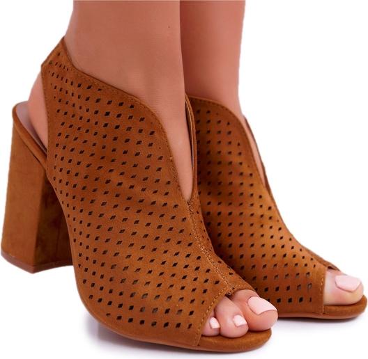 Brązowe sandały Ady z zamszu