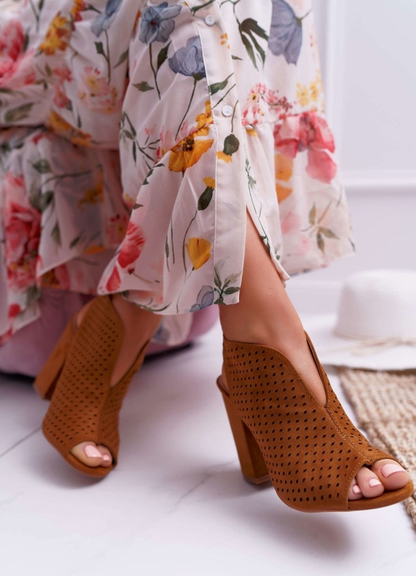 Brązowe sandały Fw1