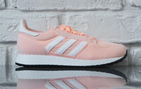 Buty sportowe Adidas sznurowane z płaską podeszwą Buty
