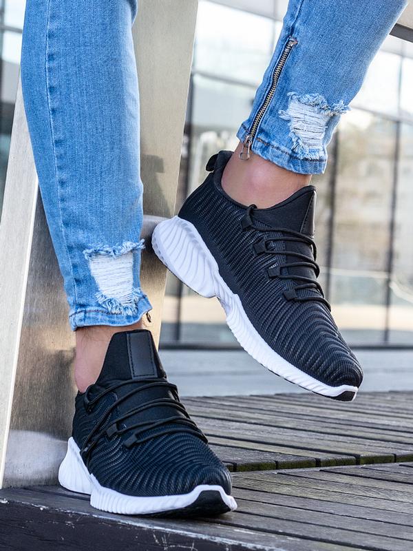 Buty sportowe ESCOLI sznurowane