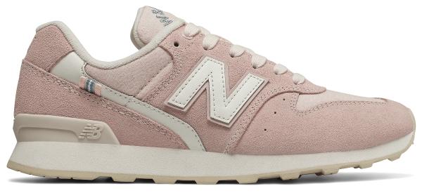 Buty sportowe New Balance z zamszu w sportowym stylu na koturnie