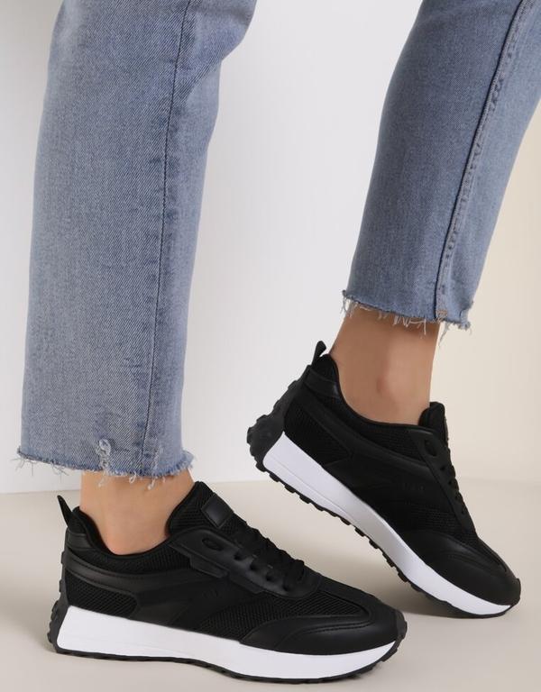 Buty sportowe Renee z płaską podeszwą