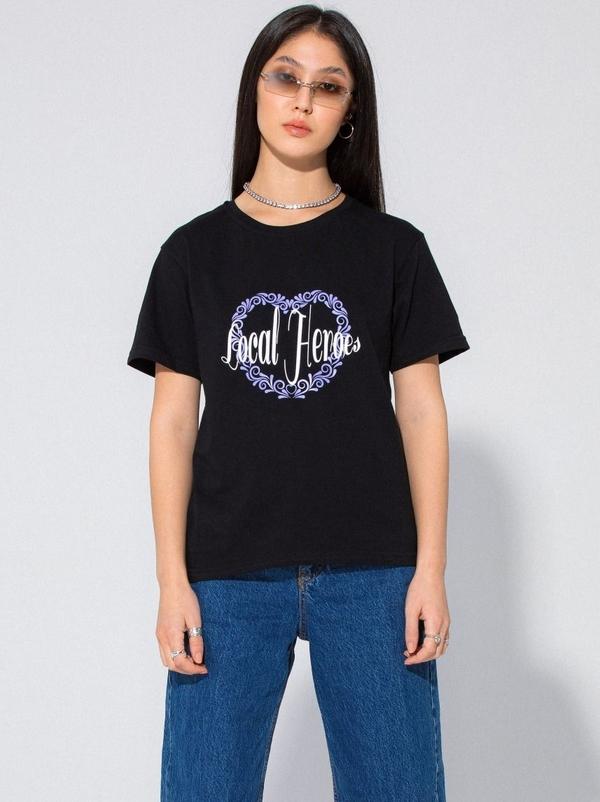 Czarna bluzka LOCAL HEROES w młodzieżowym stylu z krótkim rękawem z okrągłym dekoltem