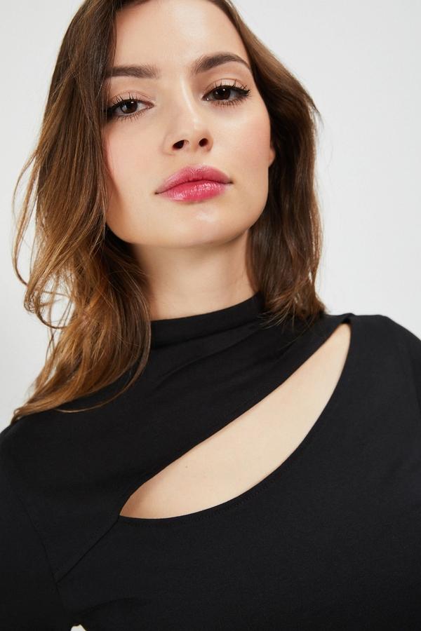 Czarna bluzka Moodo w stylu casual z długim rękawem z bawełny
