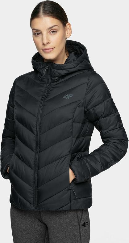 Czarna kurtka 4F w młodzieżowym stylu