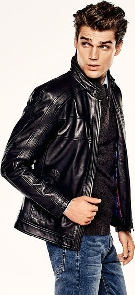 Czarna kurtka Ochnik w stylu casual krótka