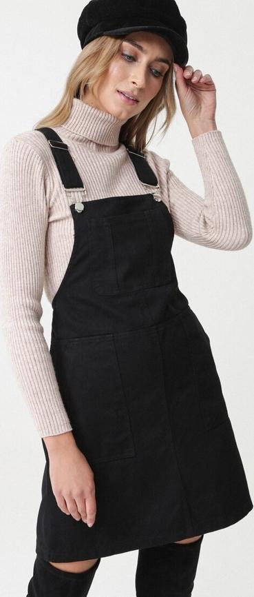 Czarna sukienka born2be mini z dekoltem w karo na ramiączkach