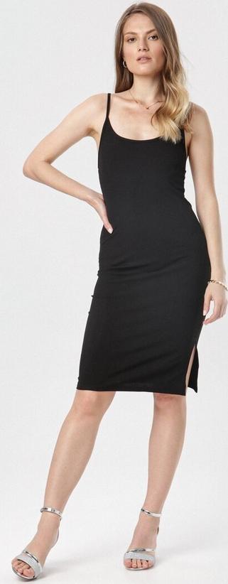 Czarna sukienka born2be na ramiączkach