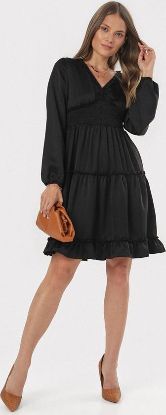 Czarna sukienka born2be trapezowa z dekoltem w kształcie litery v mini