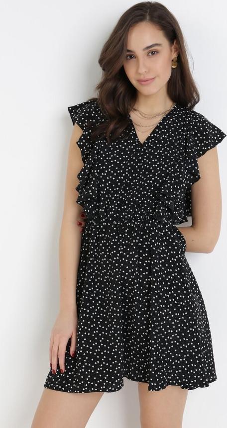Czarna sukienka born2be z dekoltem w kształcie litery v w stylu casual z krótkim rękawem