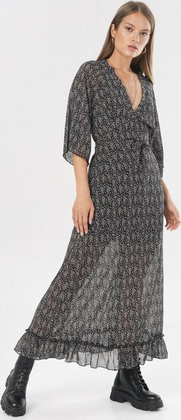 Czarna sukienka born2be z dekoltem w kształcie litery v z długim rękawem maxi