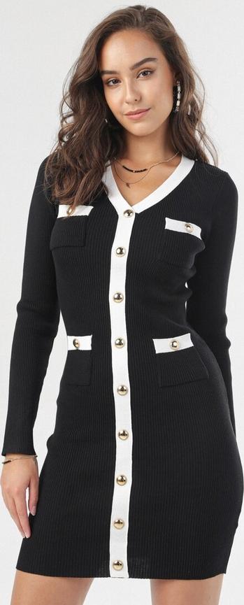 Czarna sukienka born2be z długim rękawem w stylu casual