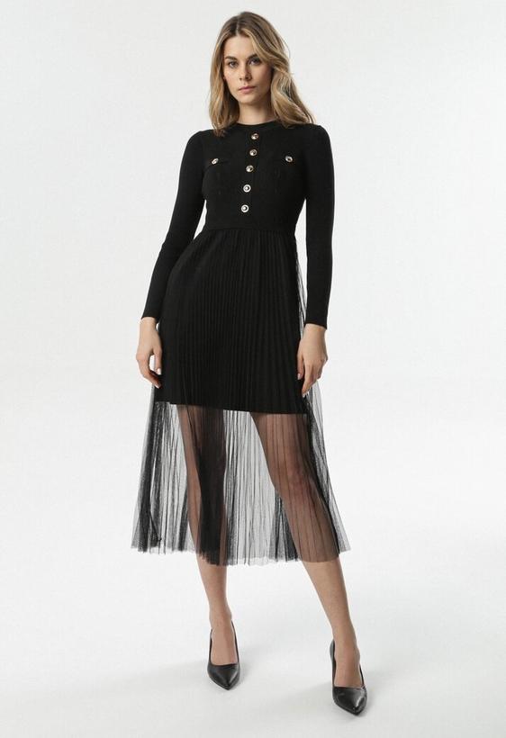 Czarna sukienka born2be z długim rękawem z okrągłym dekoltem