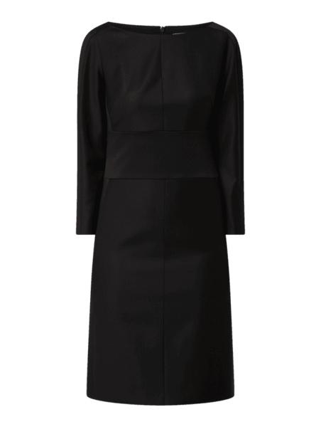 Czarna sukienka Boss z długim rękawem w stylu casual