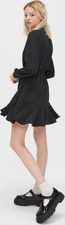 Czarna sukienka Cropp w stylu casual