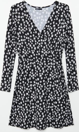 Czarna sukienka Cropp z długim rękawem kopertowa mini