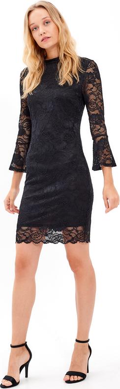 Czarna sukienka Gate z okrągłym dekoltem z długim rękawem