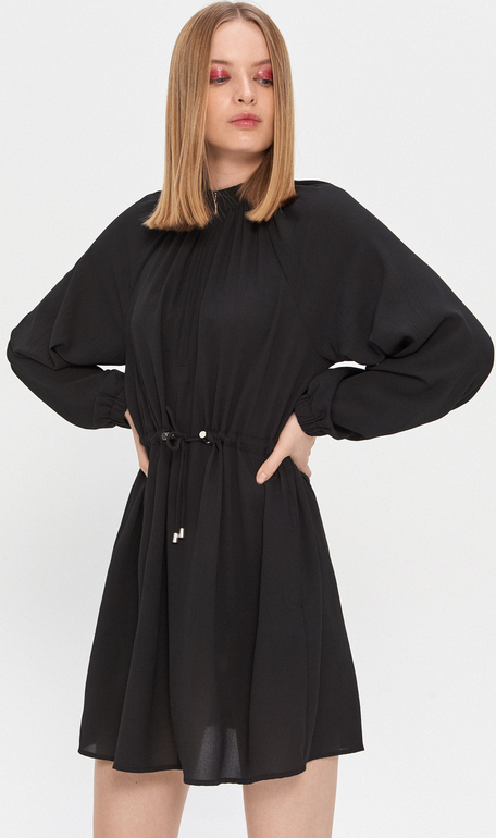Czarna sukienka House w stylu casual