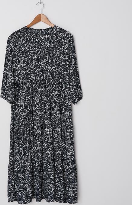 Czarna sukienka House z długim rękawem