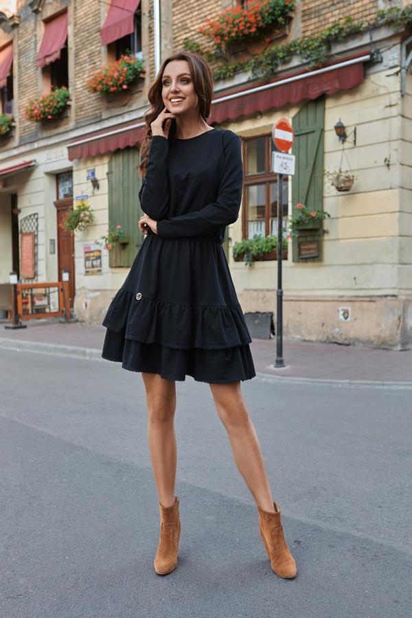 Czarna sukienka Lemoniade midi z okrągłym dekoltem w stylu casual