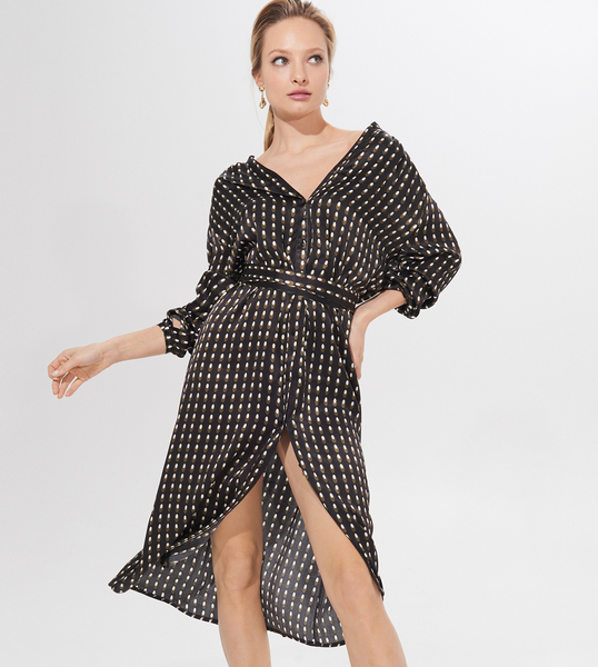 Czarna sukienka Mohito asymetryczna midi