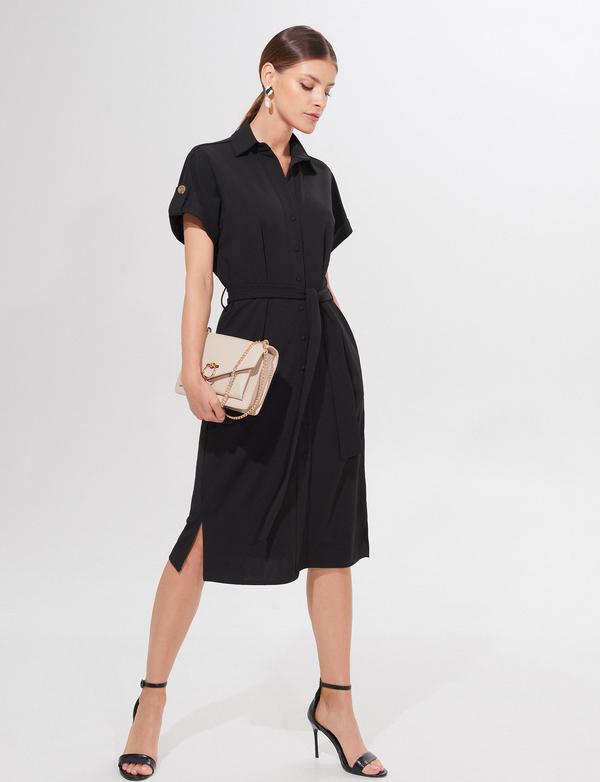 Czarna sukienka Mohito midi z krótkim rękawem