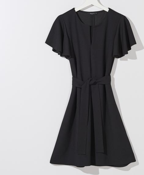 Czarna sukienka Mohito z krótkim rękawem rozkloszowana
