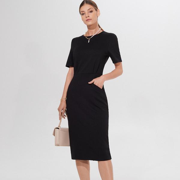 Czarna sukienka Mohito z okrągłym dekoltem midi dopasowana