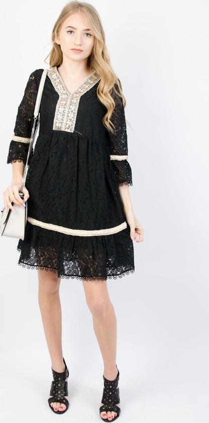 Czarna sukienka Olika trapezowa mini z długim rękawem