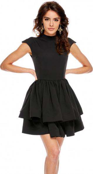 Czarna sukienka Ooh la la z krótkim rękawem