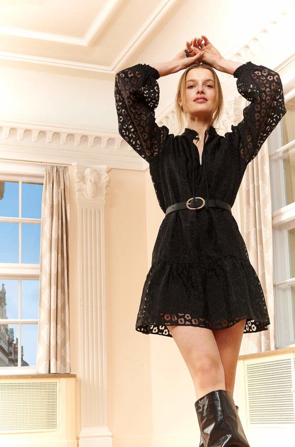 Czarna sukienka ORSAY z dekoltem w kształcie litery v