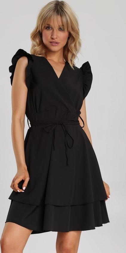 Czarna sukienka Renee z dekoltem w kształcie litery v rozkloszowana mini