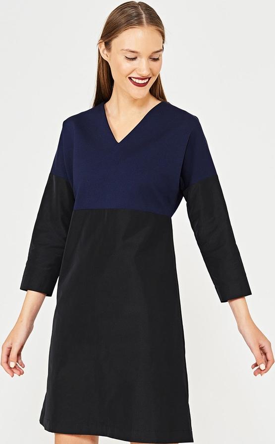 5144060366 Czarna sukienka Simple z długim rękawem z dekoltem w kształcie litery v
